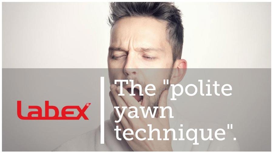 техника вежливого зевания